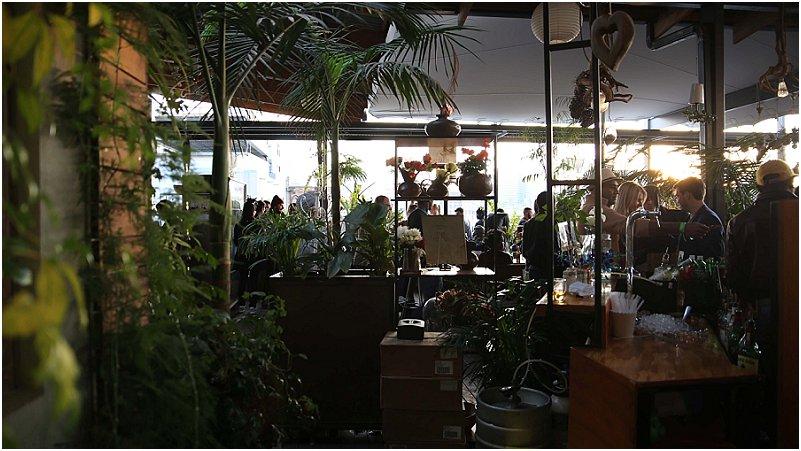 N dak kafee in maboneng mooi leefstyl for Living room jozi